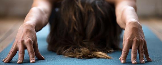 Yoga-Elementarkurs Hingabehaltungen